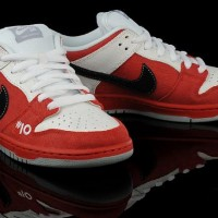 "Nike SB Dunk Low ""Roller Derby"" Quickstrikes"